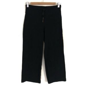 Lululemon 6? 8? Black Relaxed Fit Crop Flare Pants
